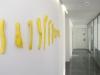 Installation von Urs Heinrich im Korridor